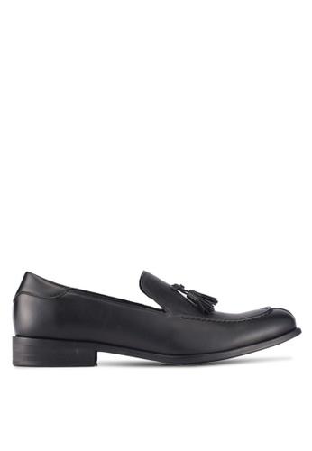 ZALORA black Faux Leather Slip On Dress Shoes with Tassels 581D3SH6FABDFEGS_1
