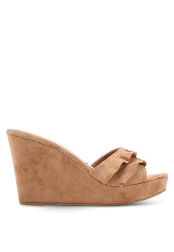 VINCCI brown Frilly Slip On Wedges 0A8E1SH2B685C9GS_1