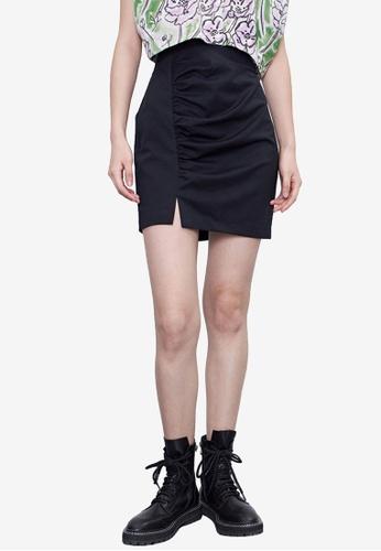 URBAN REVIVO black Ruched Mini Skirt C8658AA432AA92GS_1