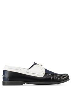 【ZALORA】 三色仿皮船型鞋