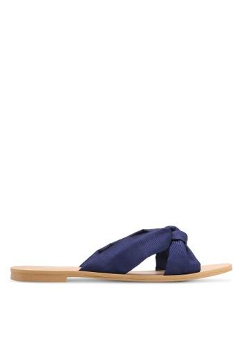 ZALORA navy Soft Crossover Slip-On Sandals 4C80ASHFFE2022GS_1