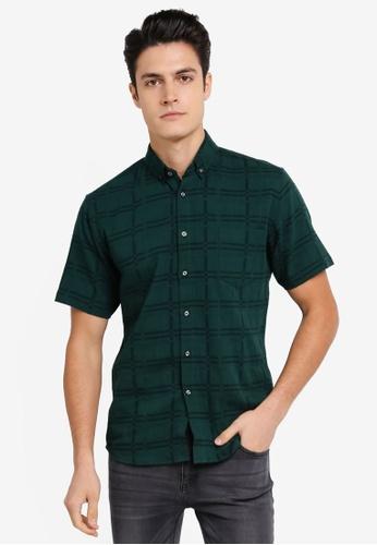 ZALORA green Textured Linen Short Sleeve Shirt AB92AAAEA9393FGS_1