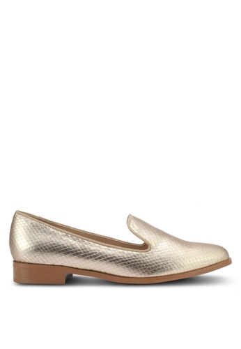 ZALORA gold Textured Loafers 1F7ECSHAA8FE4AGS_1