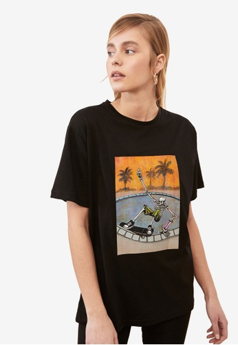 Trendyol black Graphic Print Boyfriend T-Shirt 65324AA9C1F050GS_1