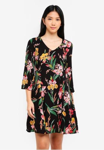 ZALORA black V Neck Fitted A Line Dress E8A08AA33CD88AGS_1