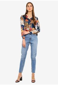 1e87b037 18% OFF Vero Moda Ivy Flower Shirt Rp 649.000 SEKARANG Rp 530.900 Ukuran S  M L XL XXL