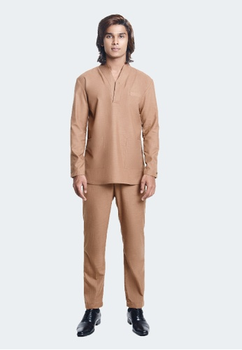 De Leuca brown De Leuca Baju Melayu Hang Tuah (Light Brown) D57DDAAC8EC8B3GS_1