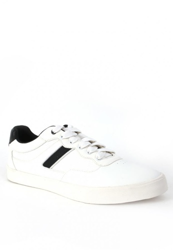 World Balance white Dillinger Men Sneakers E32DCSH6E870B4GS_1