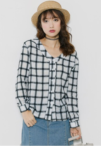 Shopsfashion white and blue V-necked Checked Blouse SH656AA60NELSG_1