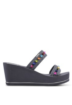 Beach Sandals & Flip Flops