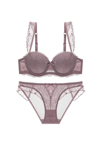 W.Excellence brown Premium Brown Lace Lingerie Set (Bra and Underwear) 84CEFUSE0A2498GS_1