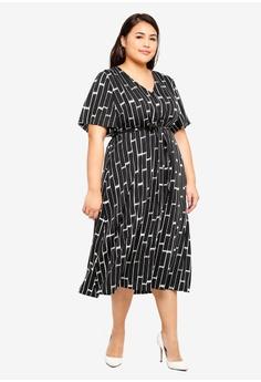 ad1ed51f002 30% OFF Junarose Plus Size Nancy Midi Dress S  88.90 NOW S  61.90 Sizes 44  46 52 54