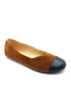 Flats with Leather Toecap