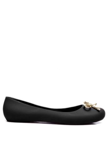 Twenty Eight Shoes black Golden Bow Waterproof Jelly Flats VYA6 TW446SH2UJ9OHK_1