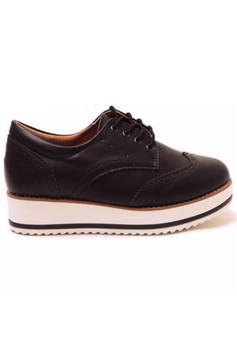 Crystal Korea Fashion 黑色 韓國製新款厚底繫帶英倫鞋 81371SHCF09F8DGS_1