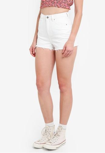 TOPSHOP white Petite White Mom Shorts BBC01AA9A16F3AGS_1