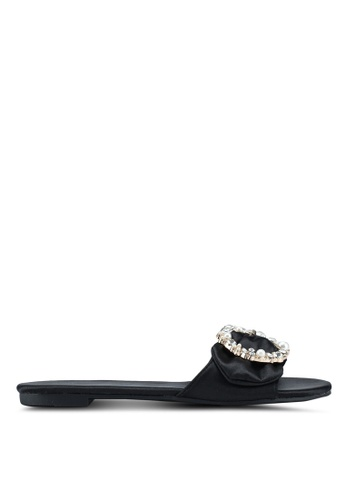 Nose black Pearl Embellished Satin Flat Sliders 3A7CASHBD95E5EGS_1