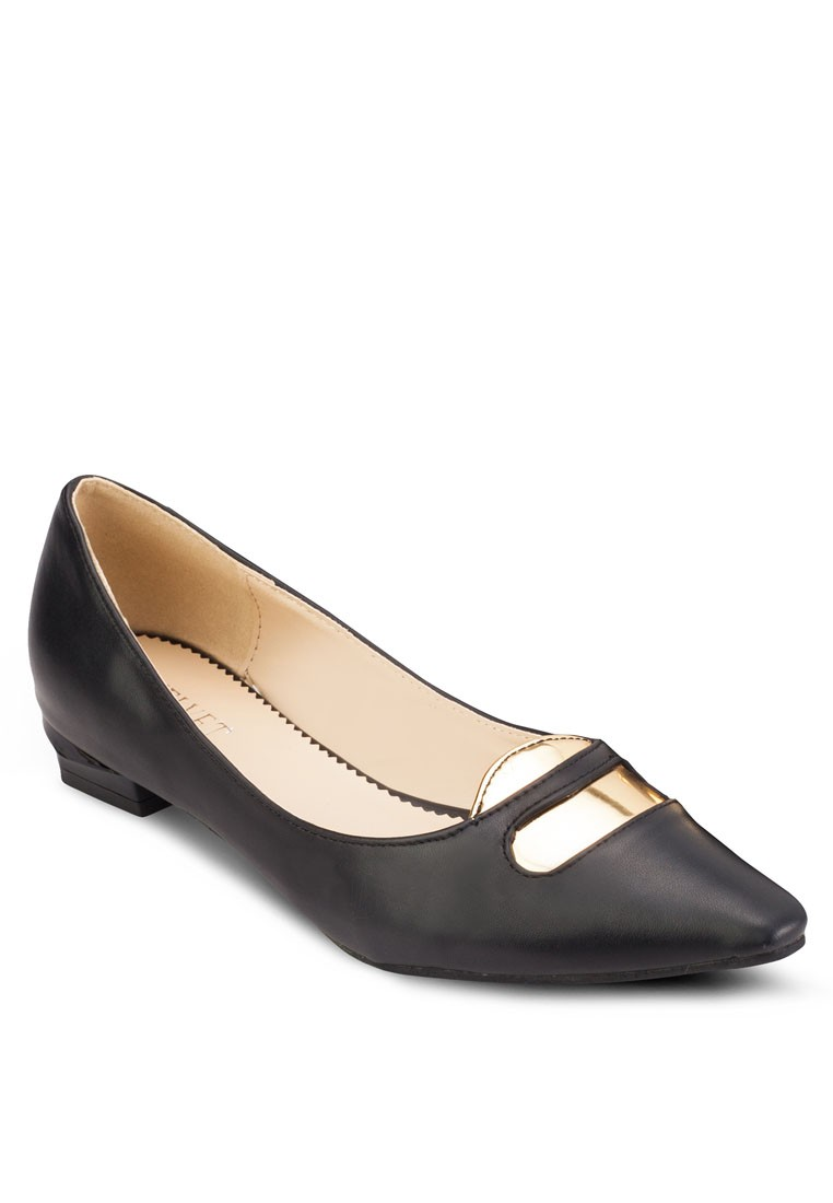 Antonia Squarish Toe Flats with Heel Detail