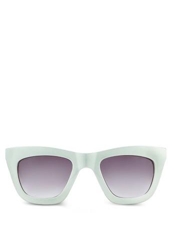 Crueesprit高雄門市lla 貓眼太陽眼鏡, 飾品配件, 飾品配件