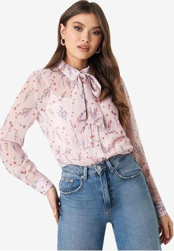 NA-KD 粉紅色 花卉透視綁帶上衣 1E777AACC0E97EGS_1