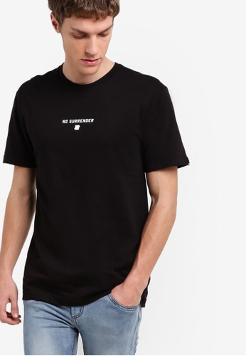 Undefeated black No Surrender T-Shirt UN888AA72JXFMY_1