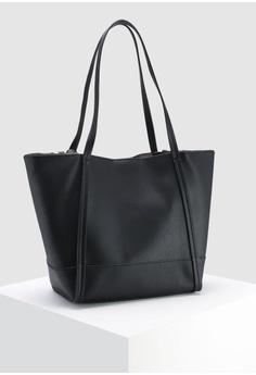 cf6fcf81539a Buy Guess Women Bags Online