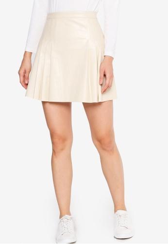 ZALORA BASICS 米褐色 Co-Ord Pleated PU Skirt EFF40AAA7FAB9DGS_1