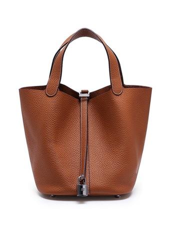 Twenty Eight Shoes brown VANSA Simple Leather Bucket Hand Bag VBW-Hb928700L BB9D4ACE408410GS_1