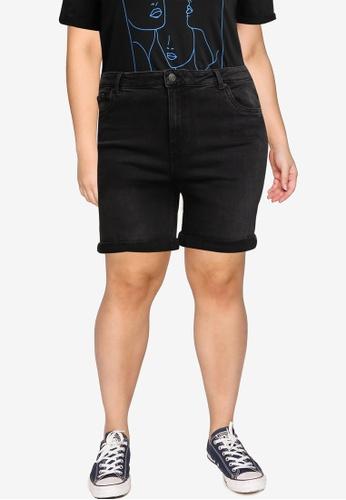Vero Moda black Plus Size Joana Mom Shorts 259E7AAD60C180GS_1