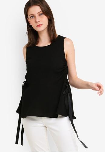ZALORA 黑色 無袖褶飾上衣 3FF46AA62A028CGS_1