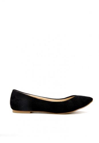 KissXXX 黑色 時尚心機V型淺口舒適平底休閒鞋 KI603SH09MSCTW_1