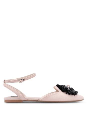 ZALORA white Embellished Flower Sandals B1C8FSHF6F522CGS_1