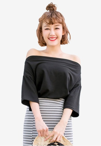 Tokichoi black Off Shoulder Basic Tee 6F668AA6BC1F67GS_1