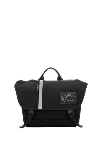 Braun Buffel black Kirk Messenger Bag in Black 43E01ACB667E27GS_1