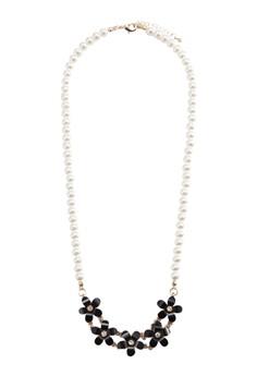 Pearlescent Black Petal Necklace