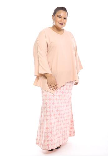 Seri Modern Kurung Batik from PLUMERIA in red and pink_1