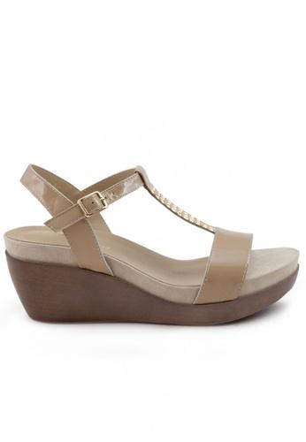 Shu Talk 米褐色 漆皮窩釘T帶鬆糕涼鞋 SH544SH099T6TW_1