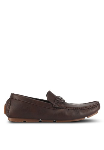 UniqTee brown Textured Moccasins With Buckle DE59CSH8E92069GS_1