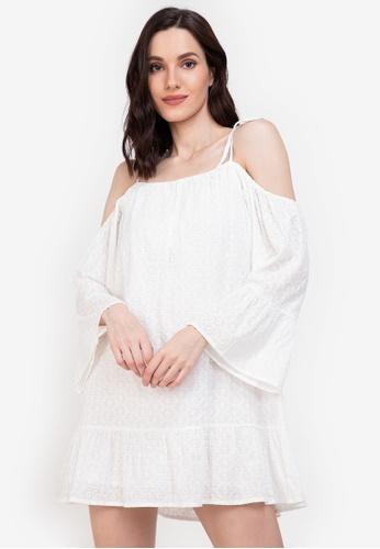 ZALORA BASICS white Lace Swing Dress 4A32CAAA82CB4DGS_1