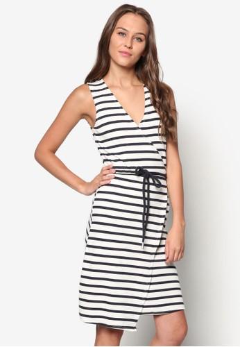 zalora taiwan 時尚購物網鞋子裹飾條紋無袖洋裝, 服飾, 洋裝