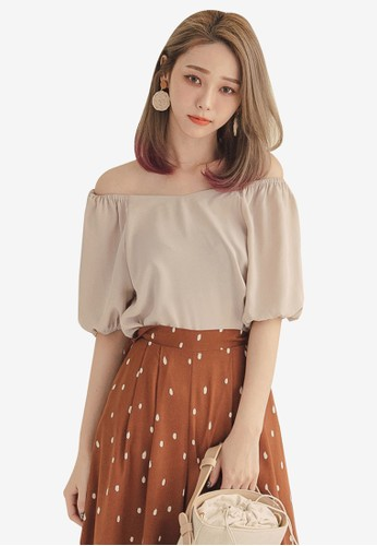 Tokichoi brown Basic Off Shoulder Top 1685CAA039BE4BGS_1