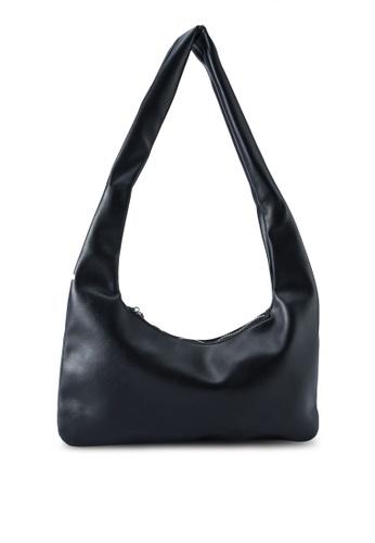 Red's Revenge black Mila Flat Shoulder Bag BF36CAC4CFB654GS_1