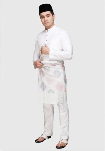Amar Amran white Baju Melayu Raja Sehari 0113DAA9923F0CGS_1