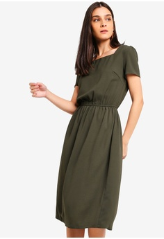 ae0d7da72b0 ZALORA green Square Neck Midi Dress B892AAA9684C2AGS 1