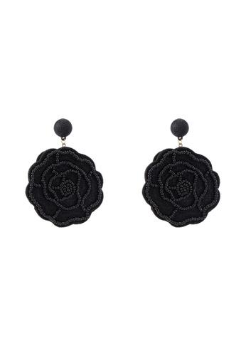 Red's Revenge black Blossom Applique Statetment Earrings 6A01FAC6D08328GS_1