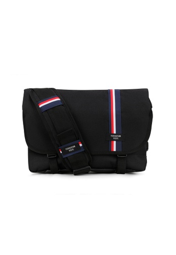 Peeps black Essential Messenger Bag E4B84AC06270D6GS_1