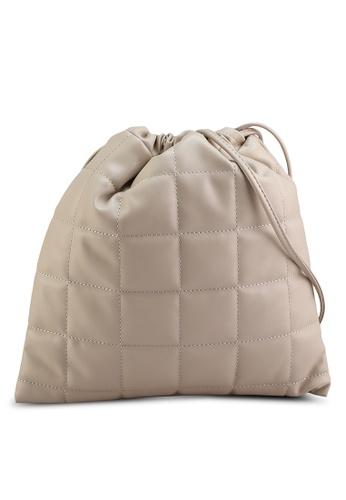 LOWRYS FARM beige Quilted Drawcord Handbag 229A2AC62CD787GS_1