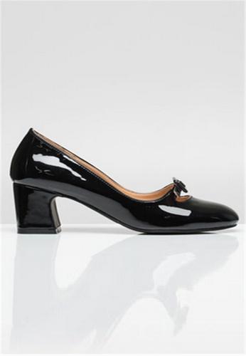 Crystal Korea Fashion 黑色 韓國製亮面粗跟鞋 352DCSH924CCE3GS_1