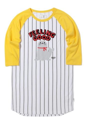 :CHOCOOLATE yellow Sea lion raglan sleeve tee D9867AAA4850D3GS_1