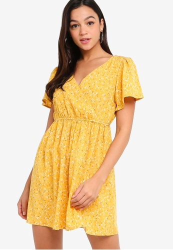Something Borrowed yellow Pleat Detail Fit & Flare Dress CE77AAA4ED3A2FGS_1